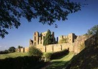thumb_1822-kenilworth-castle-elizabethan-garden-1