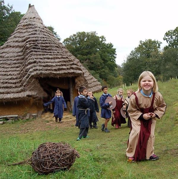 Ufton Court Historical Outdoor Education Centre Berkshire South East - Forth Image